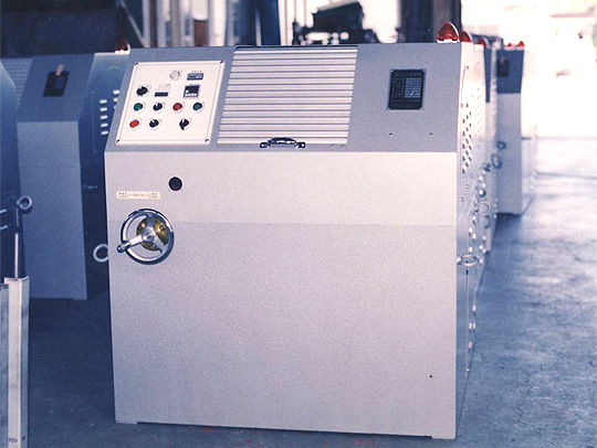 水晶用遠心バレル研磨機E-C-3型