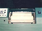 遠心バレル研磨機